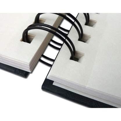 41231421 Альбом для эскизов Drawing Book А5 (14,8х21 см) 160 г/м.кв. 60 листов в твердом переплете на спирали по длинной стороне Fabriano Италия