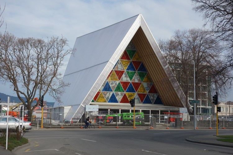 Cardboard_Cathedral_03