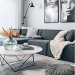 60 Living Room Decor Ideas With Artwork Coffee Tables (39)