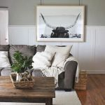 60 Living Room Decor Ideas With Artwork Coffee Tables (49)