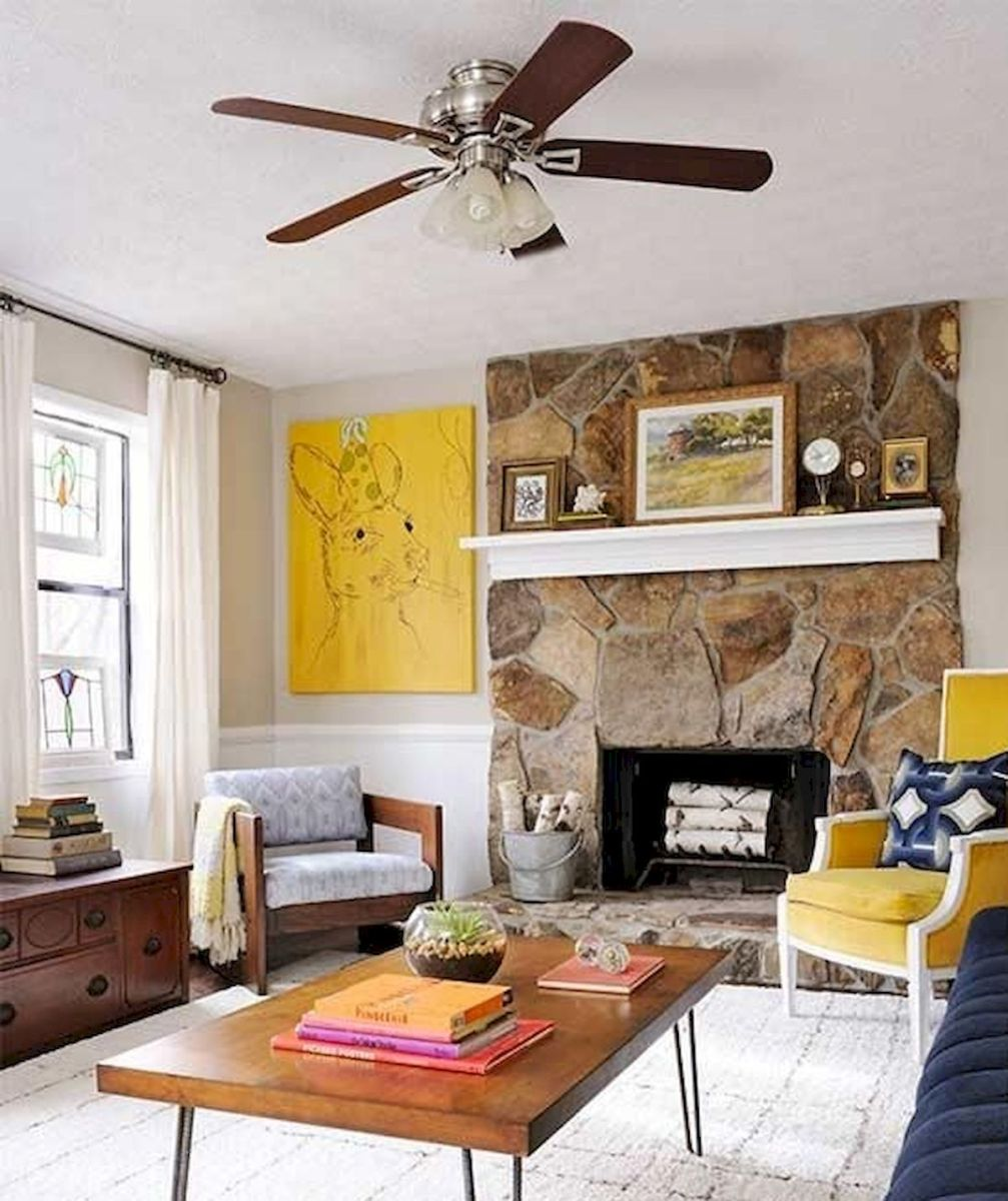 60 Living Room Decor Ideas With Artwork Coffee Tables (53)