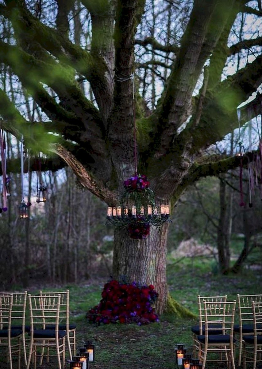 40 Awesome Halloween Wedding Decoration Ideas (7)