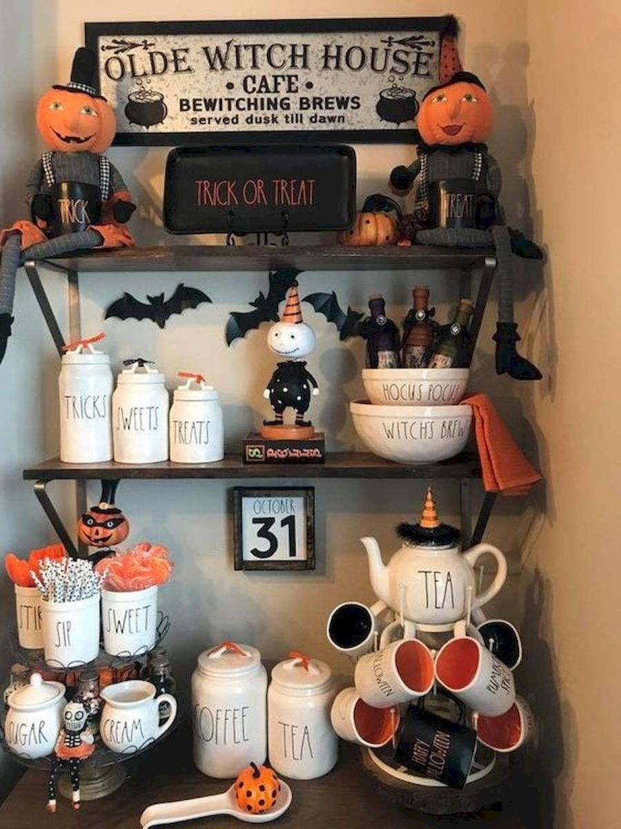 46 Gorgeous Halloween Kitchen Cabinets Decor Ideas (37)