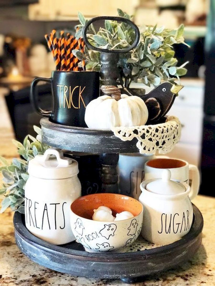 46 Gorgeous Halloween Kitchen Cabinets Decor Ideas (40)