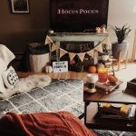 73 Gorgeous Halloween Living Room Decor Ideas (12)