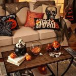 73 Gorgeous Halloween Living Room Decor Ideas (20)