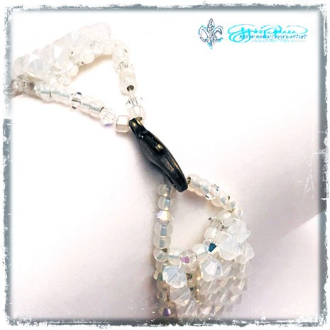 Beaded_Moonbeam_closure