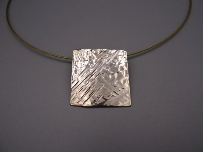 Arto Edelsmeden- Zilveren vierkante hanger met bol en streephanger afwerking creatief