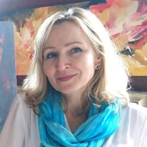 Artist Olga Lomax