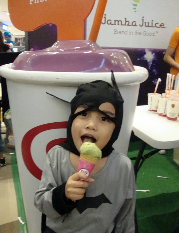 ayala fairview terraces halloween event costume party 2014 baskin robbins ice cream jamba juice art of being a mom www.artofbeingamom.com 01