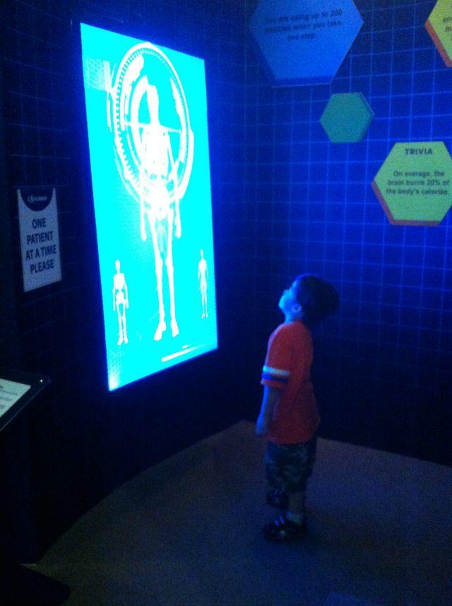 sm mall of asia moa exploreum science museum lifestyle mommy blogger www.artofbeingamom.com 16