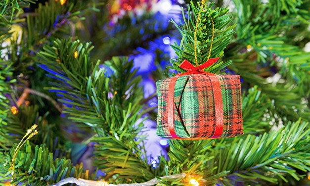 Give Gifts From the Heart this Christmas