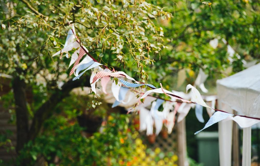5 Tips to Hosting Family in Your Garden