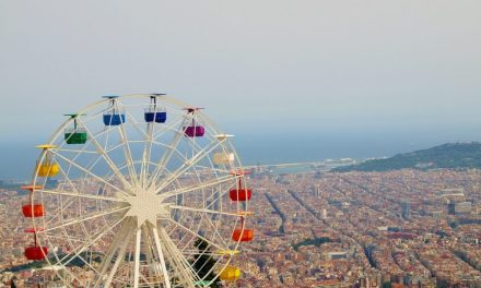 Tour Barcelona With Your Family This Year