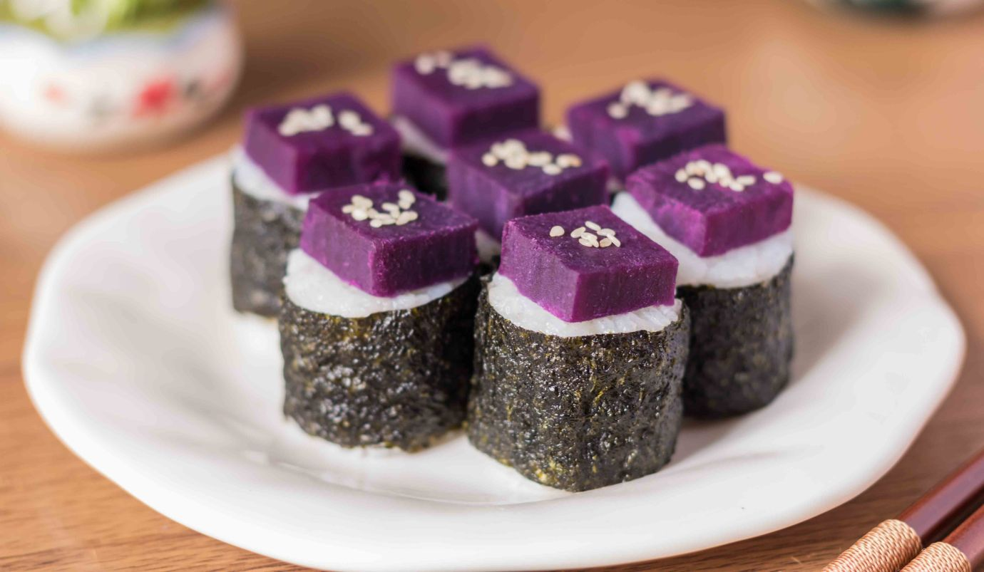 Purple sweet potato sushi rolls
