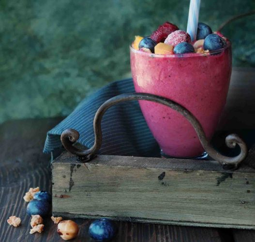 vegan and gluten-free fruit and chia smoothie deliciousness!