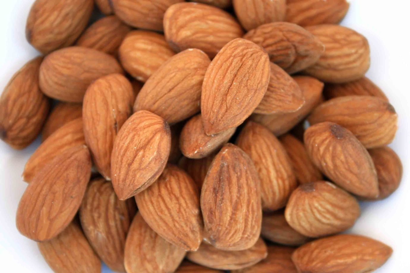almonds for a proper diet