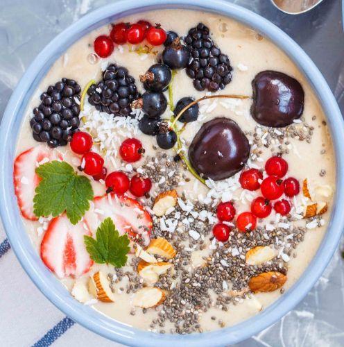 Metabolism boosting smoothie bowl
