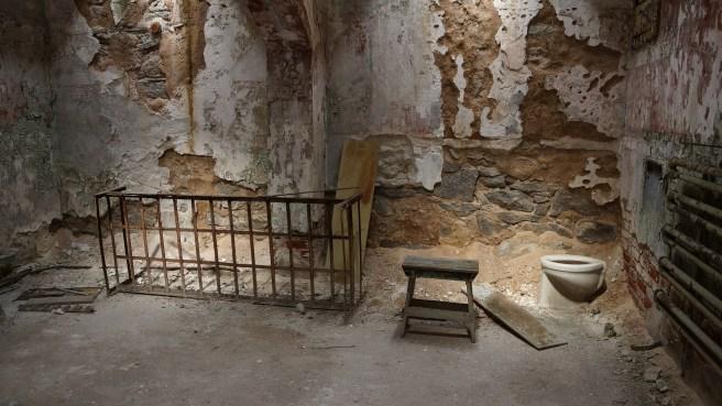prison-451442_1920.jpg
