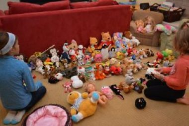10 Tips to Donating Toys Before the Holidays with Help from Your Kids