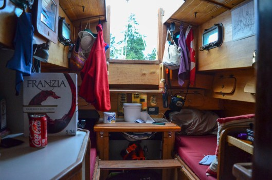 Living aboard a sailboat