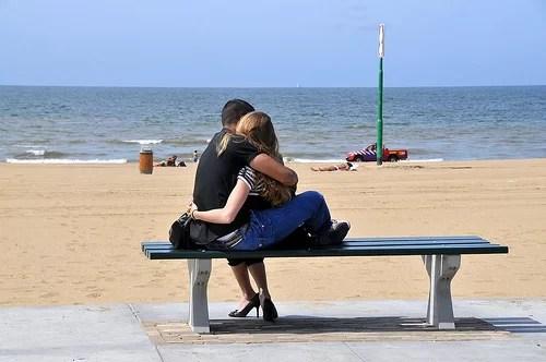 couple-hug