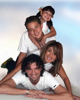 happy-family-4members