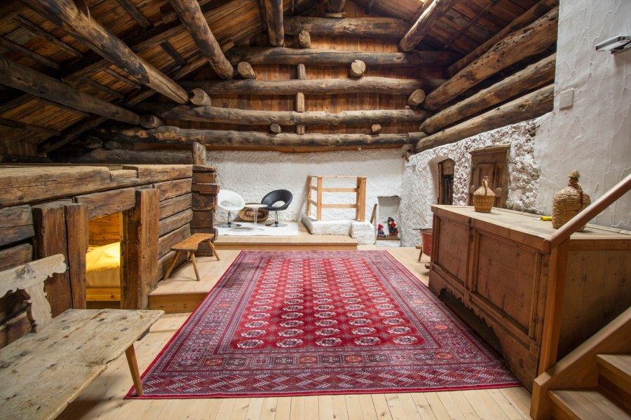 """""""Crapenda"""" der Dachraum in einem Engadinerhaus."""