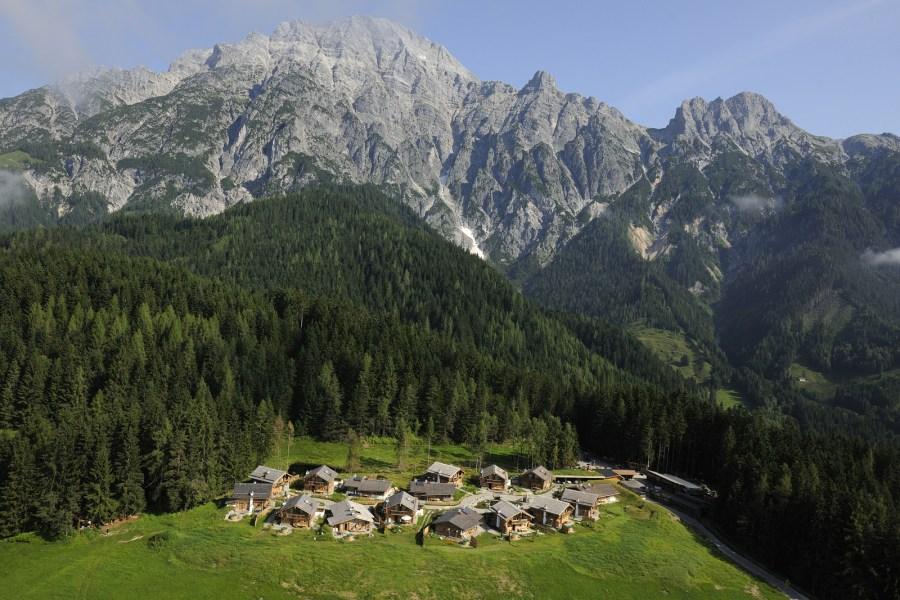 Auf 1.100 Metern auf einem Hochplateau im Angesicht der Leoganger Steinberge befindet sich das Priesteregg.