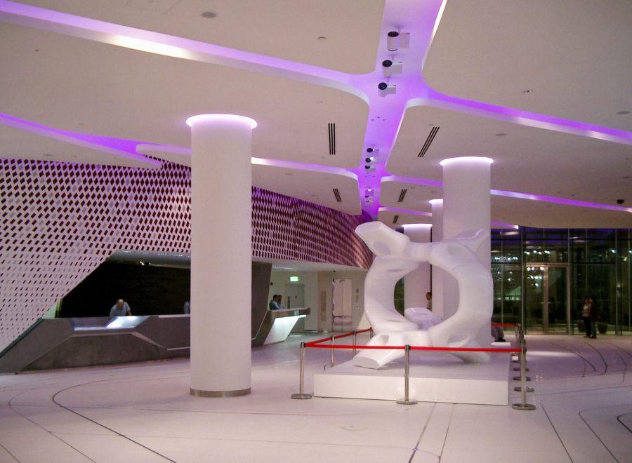 Yas-Island-Hotel Abu-Dhabi farbenfroh
