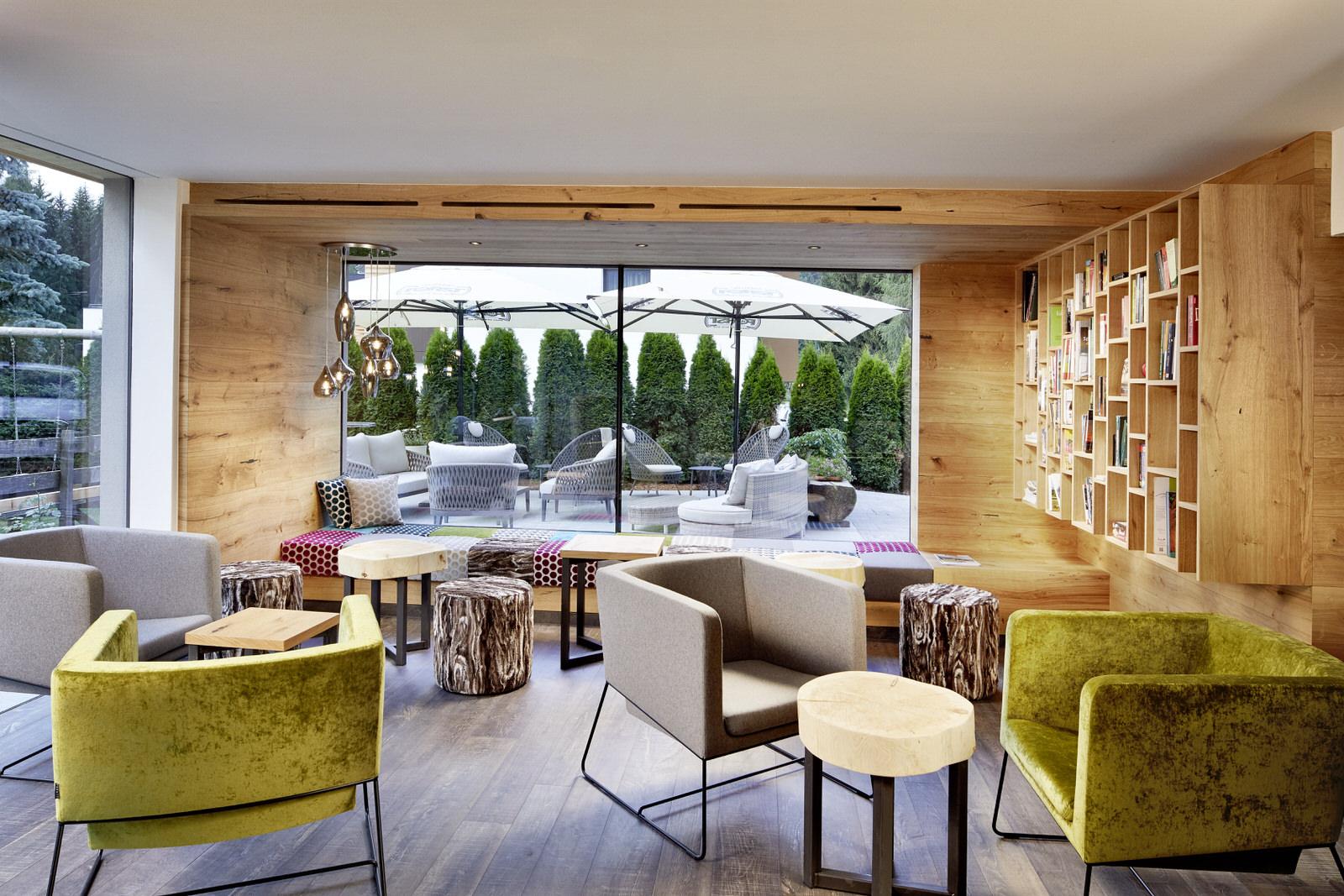 Hotel Waldruhe: Lounge-Bibliothek