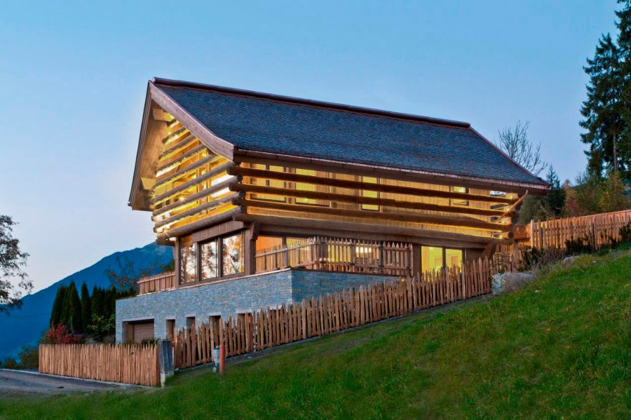 MOUNTAIN ALPINE CHALET, Austria: Silence, crystal clear air, privacy. The private modern-comfort alpine chalet perfectly merges with the surrounding mountains, meadows and forests, few steps from the ski slopes.