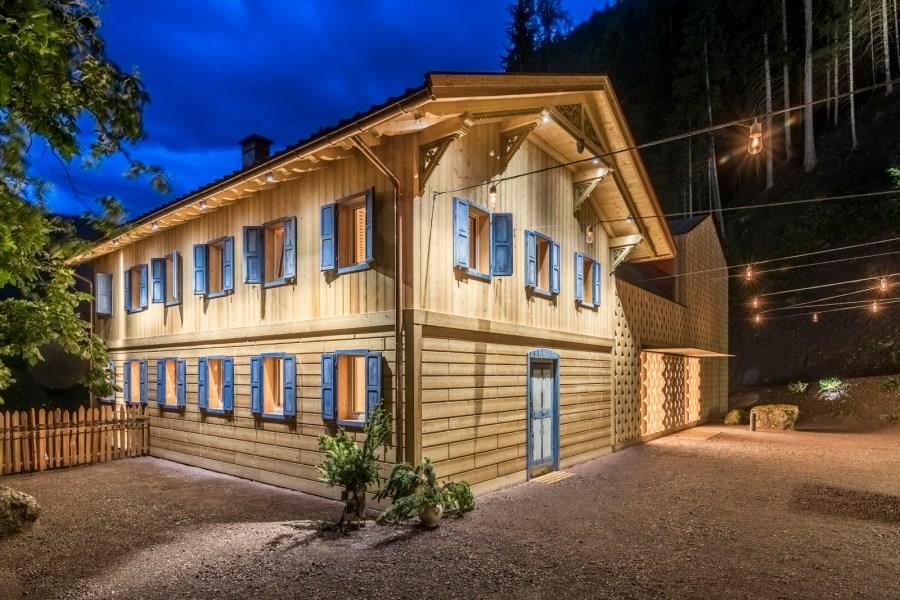 Das Trehs Haus wurde 2017 als Naturkraft-Kompetenzzentrum und Erlebniswelt im achtsam renovierten historischen Stadl eröffnet.