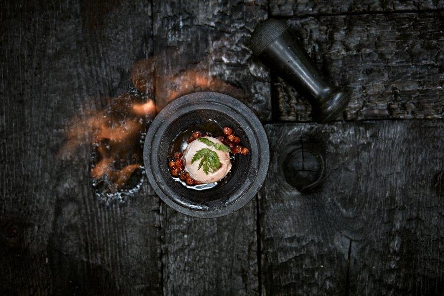 Zubereitung mit dem Feuerring. © Sylvan Müller
