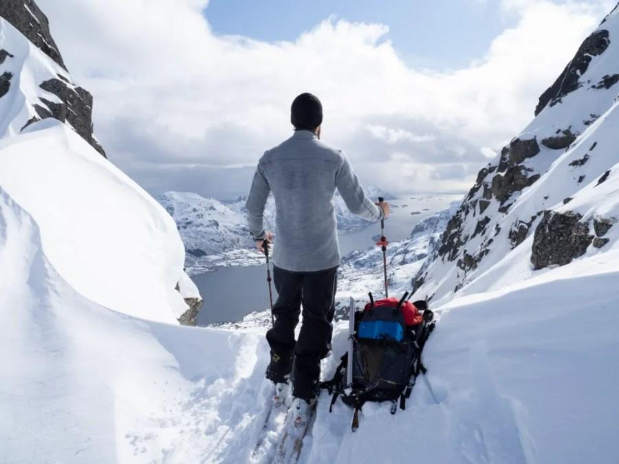Bei eisigen Temperaturen können sich Bergsportler auf die wärmenden Eigenschaften von Aclima-Bekleidung verlassen.