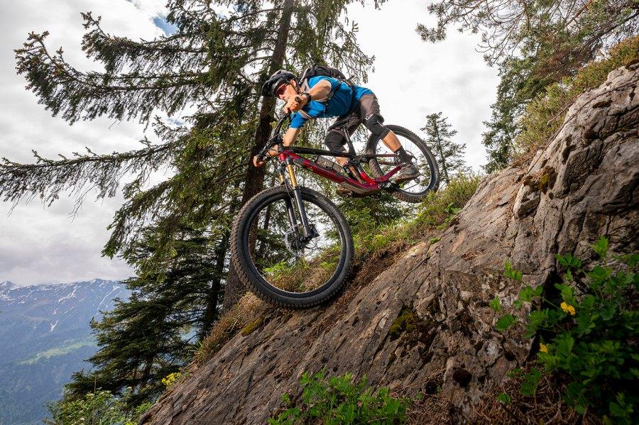 Das gesamte Bikegebiet Flims Laax Falera umfasst heute 330 Kilometer ausgewiesene Bikestrecken, Single Trails, Skill Parks, prämierte Trails und Freestylestrecken bis auf 2800 Metern Höhe.