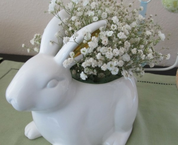 DIY Easter Floral Arrangement