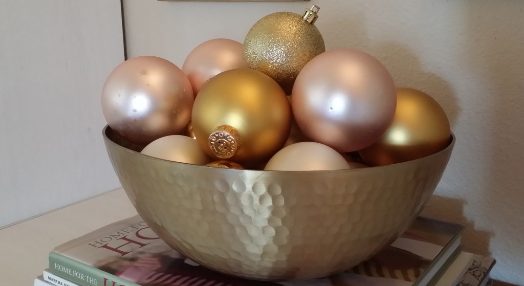 decorating with glass balls
