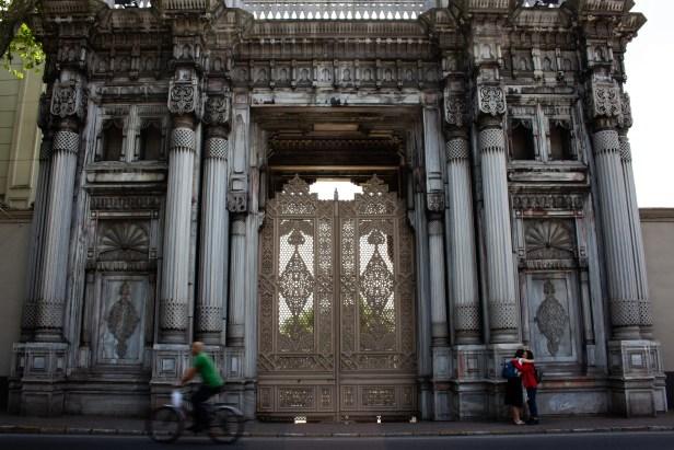 Beşiktaş Gate Greeting