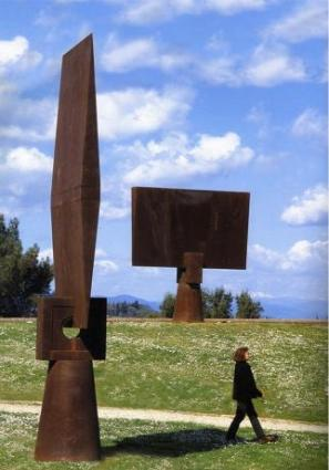 Forte Belvedere, 1998 Foreground: Cleopatra's Wedge, 1991 Steel 180 x 140 x 36 in (450 x 350 x 90 cm) Florence, Italy