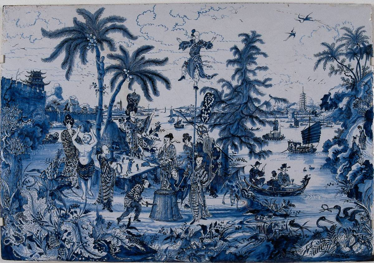 Delftware plaque with chinoiserie