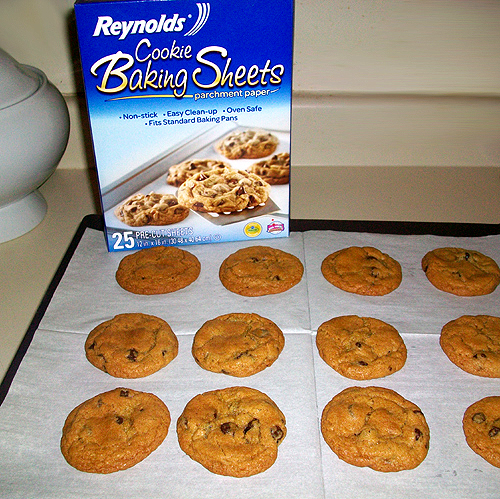 Reynolds Cookie Baking Sheets and Baked Chocolate Chip Cookies