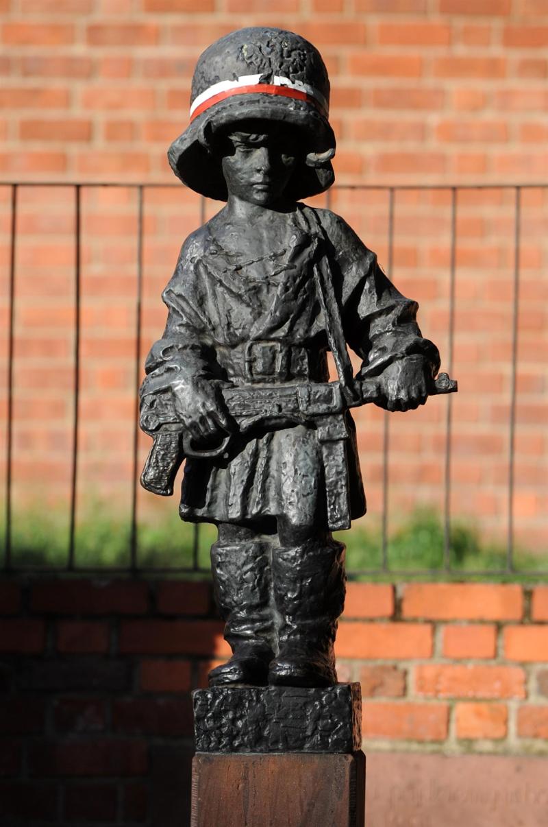 Monument au Petit Insurgé, Varsovie