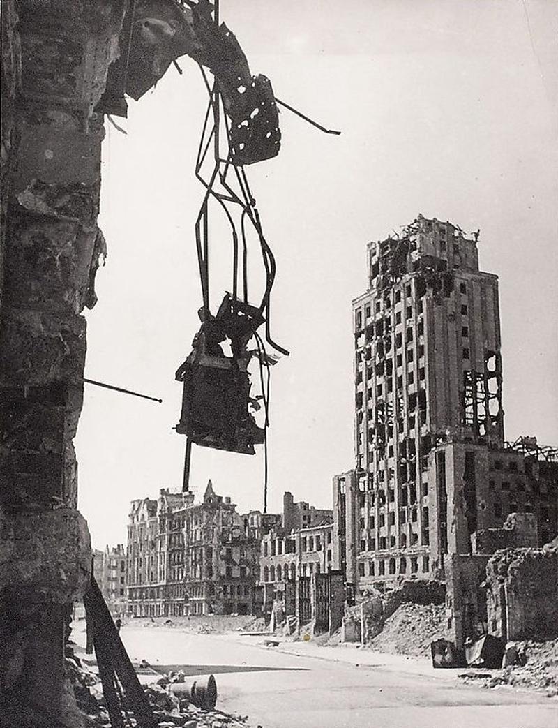 Varsovie après la guerre