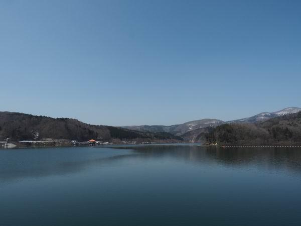 荒砥沢ダムの春の風景写真