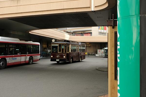 るーぷる仙台の実走行写真・仙台駅での写真