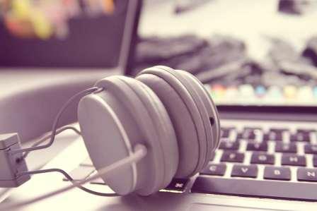 非効率!勉強中に音楽を聴きながらやるべきではない4つの理由