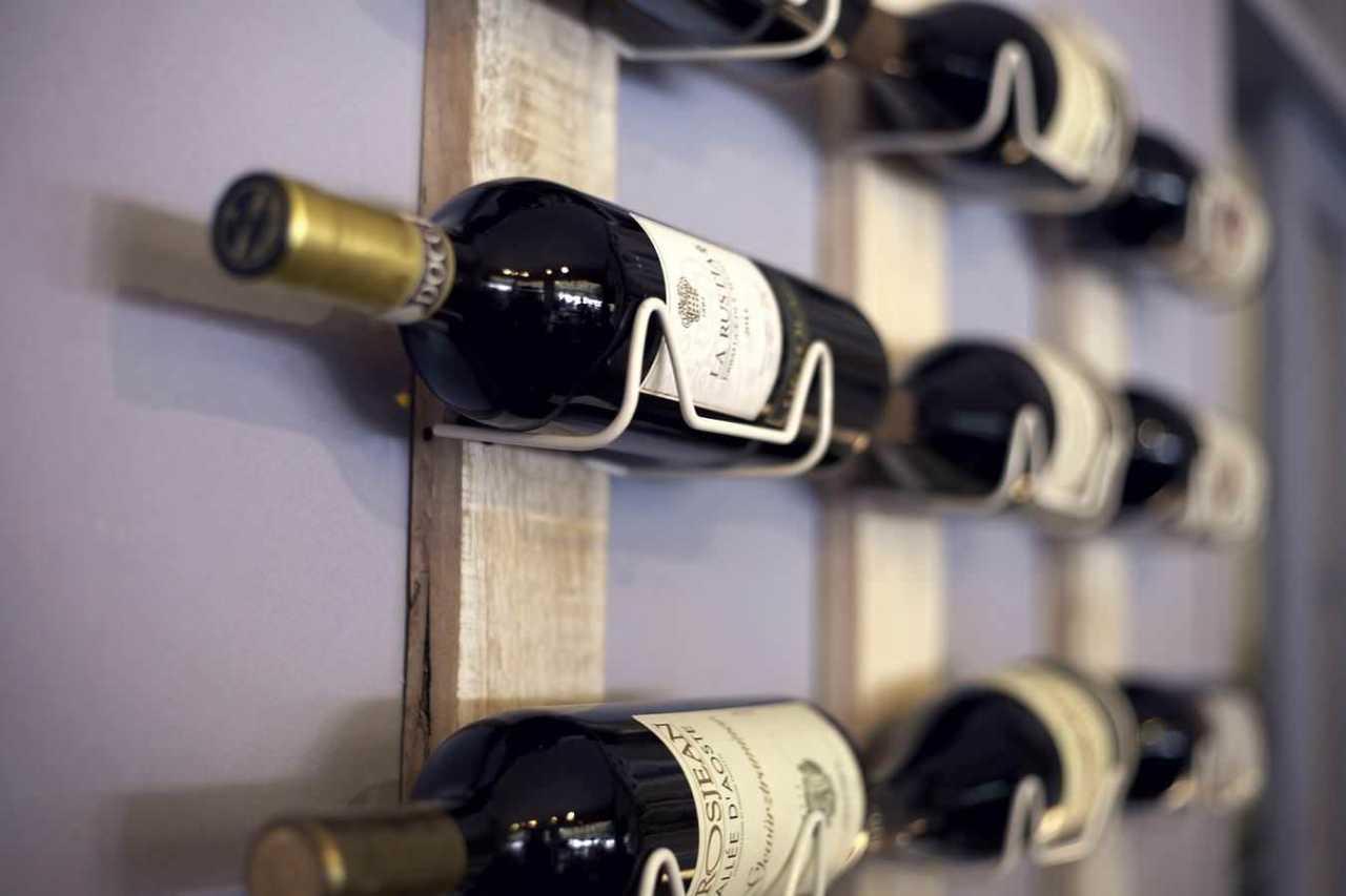 味わいや品質を保つ!家庭での飲みかけのワインの最適な保存方法3選