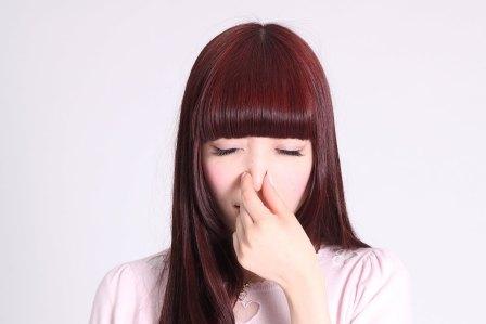 止まらない!鼻血が出た場合に効果的に止めるための正しい対処法5選