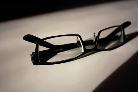 日常生活は目が悪くなるものばかり!視力低下の原因となる身近なもの5選